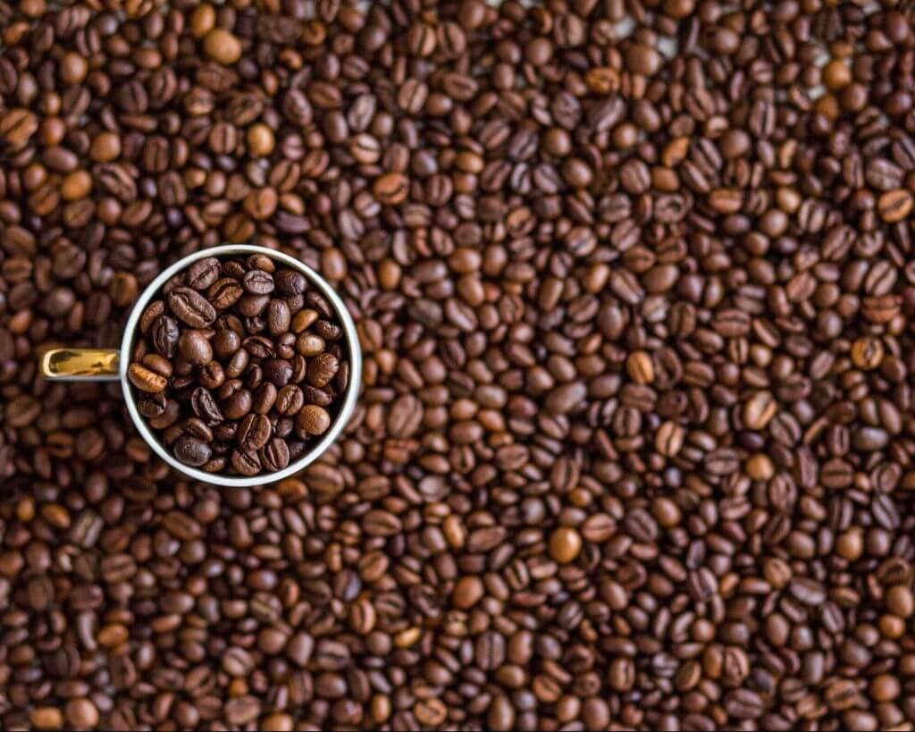 fattori di rischio di infertilità caffeina