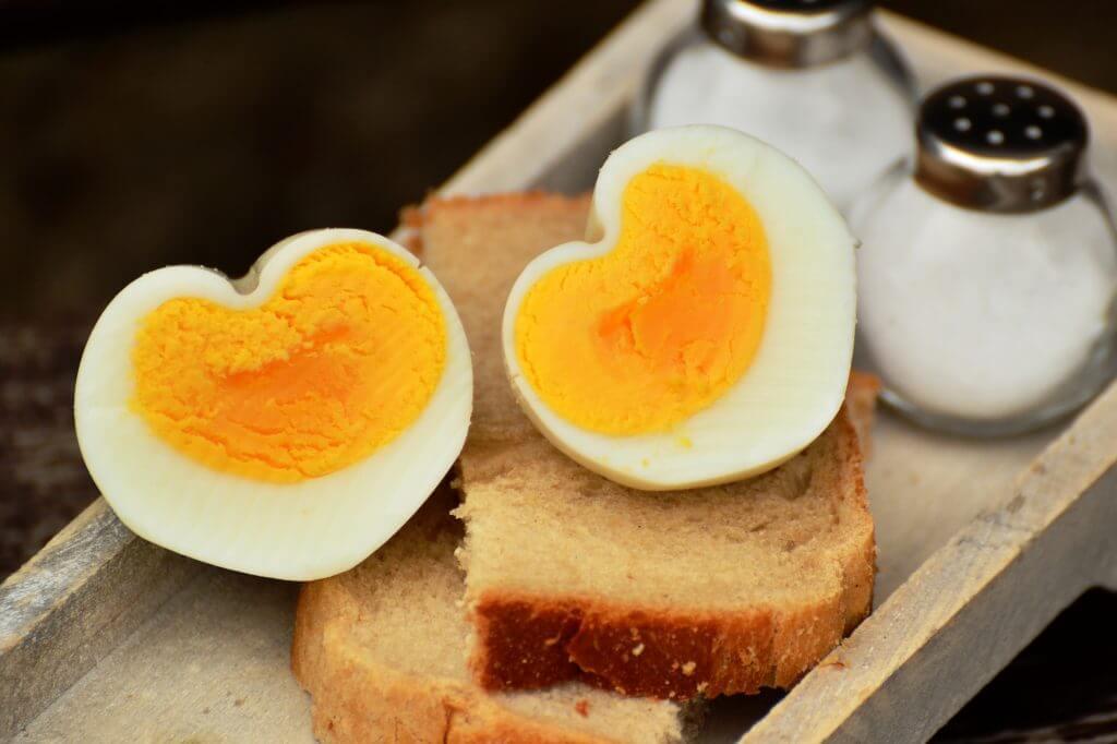 cibi che aiutano a rimanere incinta uova